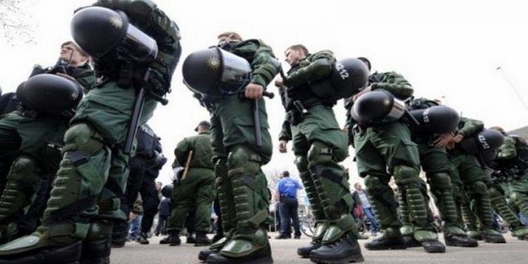 german riot police 650x325 1600x1200 b491e