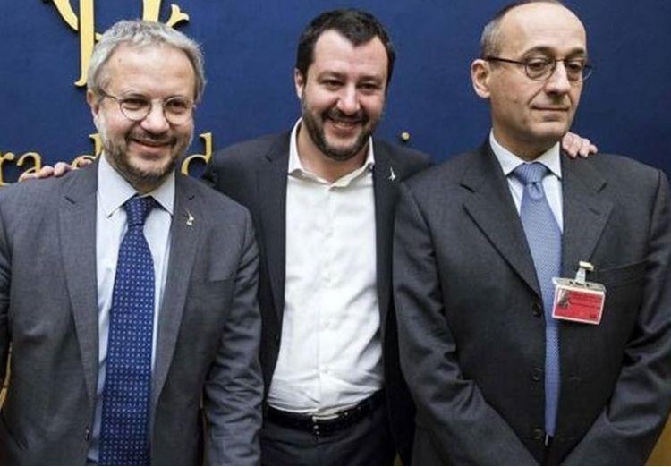 Perch l economista alberto bagnai ha accettato la for Lavorare al parlamento italiano